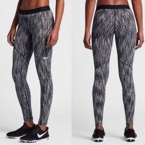 Nike PRO Workout Leggings LIKE NEW!!